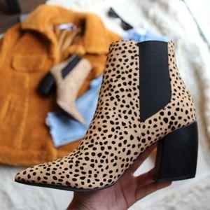 🚨END OF SUMMER SALE// Tan leopard Bootie